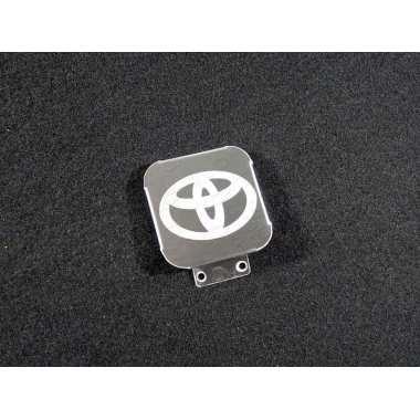 Заглушка на фаркоп с логотипом (Toyota) ТСС, артикул TCUZTOY1